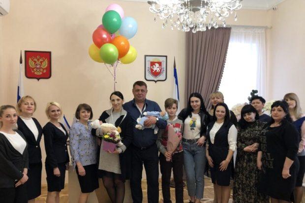В Симферополе зарегистрирован тысячный новорожденный