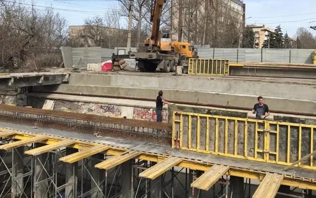 Мост на улице Гагарина в Симферополе откроют до 20 апреля. Должны открыть