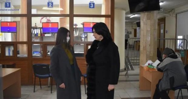 В Симферополе приём граждан департаментом труда и соцзащиты ведётся по предварительной записи