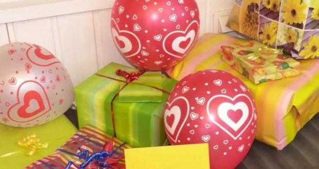 Путешествия, цветы и украшения - самые желанные подарки на 8 Марта