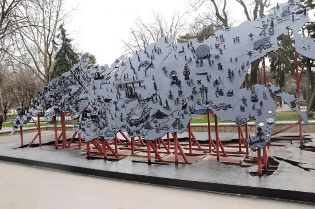 В Симферополе отреставрировали кованую карту России