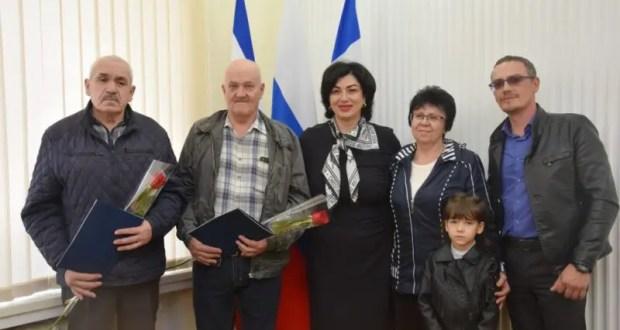 В Симферополе жилищные сертификаты вручили пострадавшим в Чернобыльской катастрофе