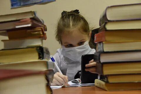 Школьников ждут расширенные каникулы или «дистанционное обучение». Причина - коронавирус