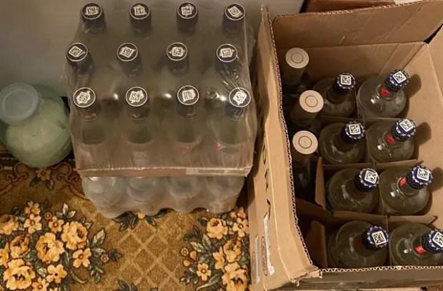 В Крыму изъята крупная партия нелегального алкоголя кустарного производства