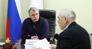 Спикер Госсовета Крыма Владимир Константинов провел прием граждан