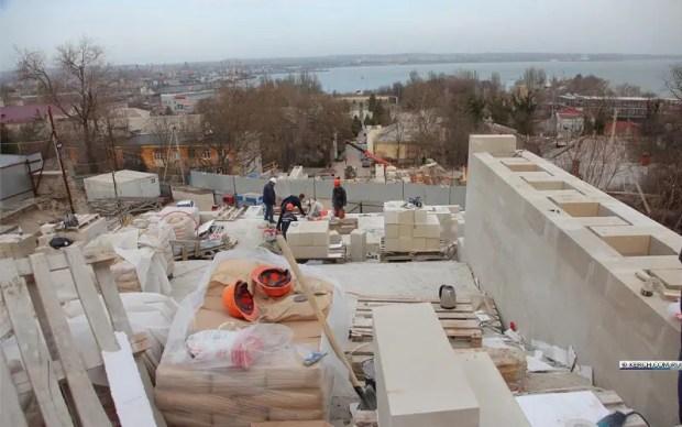 Архитекторы и строители определились с судьбой арочных помещений Митридатской лестницы