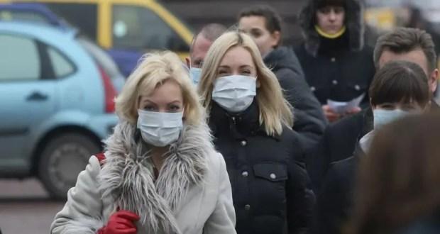 МЧС России: люди, не носите медицинские маски на улице, только хуже делаете