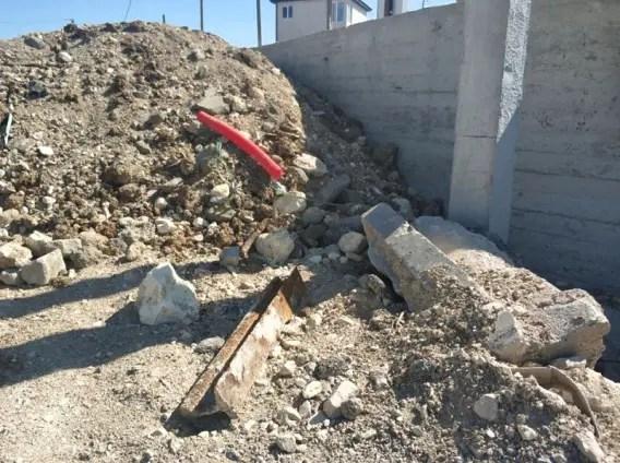 В Лабораторной балке обнаружили свалку мусора - стройотходы с ул. Большая Морская
