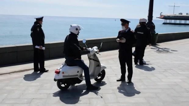 На улицах Ялты дежурят усиленные патрули полиции