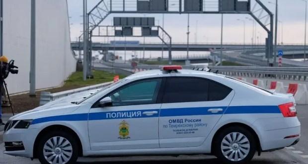 Крымский мост: за сутки на полуостров проехало 932 транспортных средств, не пустили 7 машин