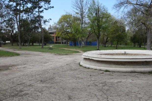 """В симферопольском парке культуры и отдыха """"Екатерининский сад"""" идёт третий этап благоустройства"""