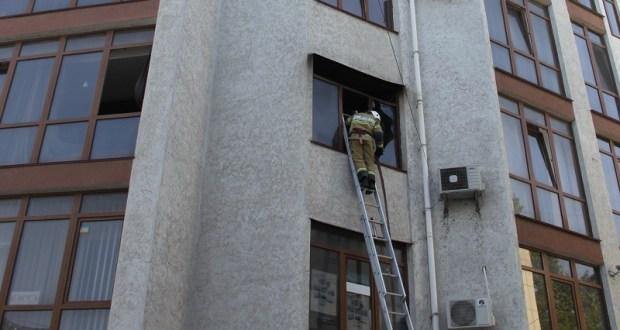 В Симферополе горела девятиэтажка
