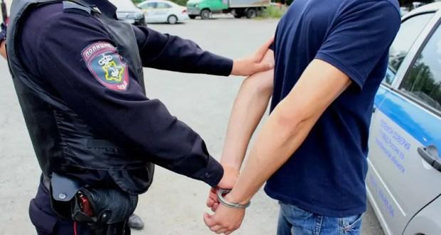 В Севастополе полицейские задержали подозреваемого в краже из магазина