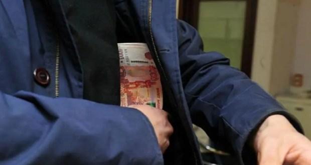 """В Симферополе сынуля обворовал мать. Деньги нужны были на алкоголь и женщин """"лёгкого поведения"""""""