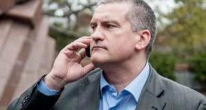 Сергей Аксёнов призвал главврачей звонить ему лично. И не только по доплатам медиков