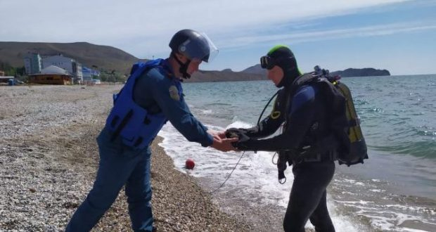 В Крыму за сутки пиротехники обезвредили семь авиационных бомб. Боеприпасы нашли в море