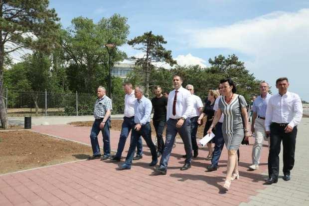 Спикер крымского парламента Владимир Константинов посетил с рабочей поездкой Саки и Евпаторию