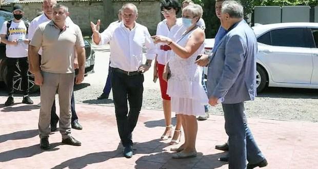 Спикер Госсовета Республики Владимир Константинов посетил агропредприятия Западного Крыма