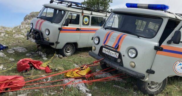 В Крыму с восьмиметровой высоты сорвался альпинист