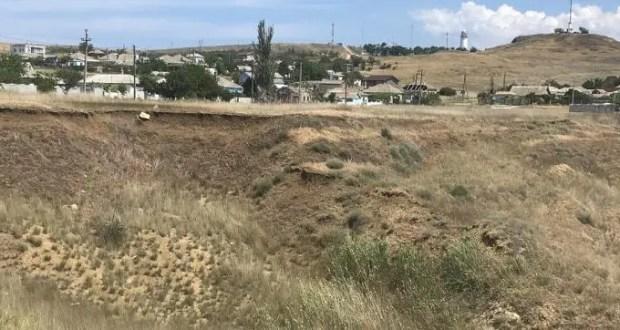 В Керчи разыскивают тех, кто устроил свалку в микрорайоне Подмаячный