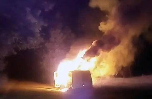 Ночной автопожар под Симферополем. Сгорел «Mercedes»