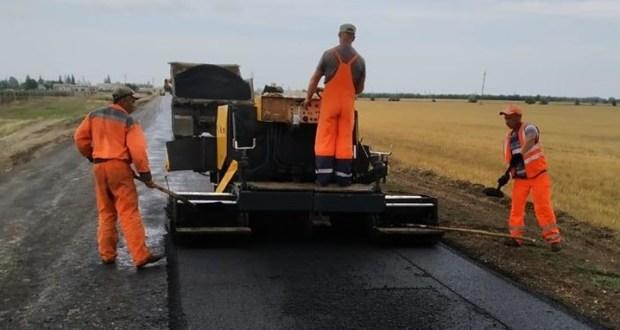 «Крымавтодор» приводит в порядок республиканские дороги