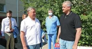 Сергей Аксёнов посетил дом ребенка «Ёлочка», где прошла передача гуманитарного груза