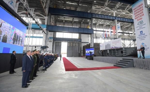Владимир Путин принял участие вцеремонии закладки кораблей ВМФ на Керченском заводе «Залив»