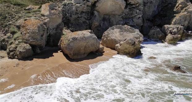 Трагедия на востоке Крыма: в бухте Генеральских пляжей найдено тело туриста