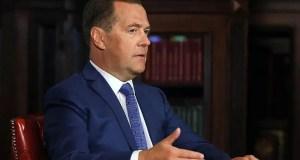 Дмитрий Медведев дал совет украинским властям: «Смиритесь»