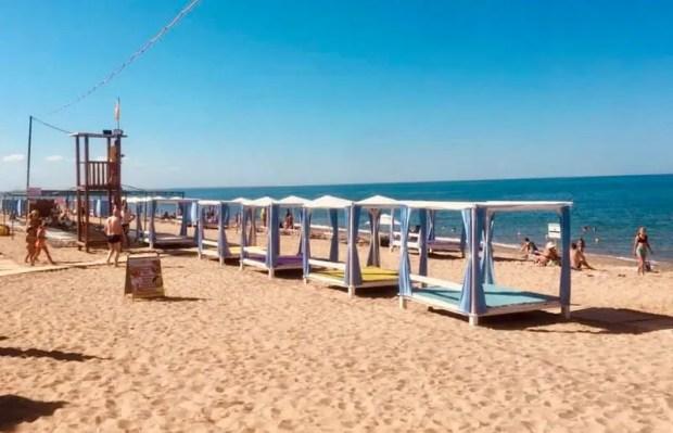 Еще почти полсотни пляжей проверили в Крыму. На этот раз в Феодосийском регионе, Саках и Сакском районе