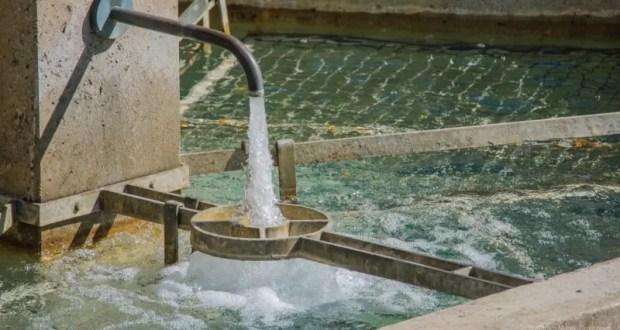 Проблема воды в Крыму: теоретики предлагают опреснять морскую воду, практики – снижать давление в сетях