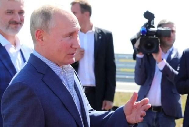 Какие поручения по развитию дорожной инфраструктуры Крыма дал Владимир Путин