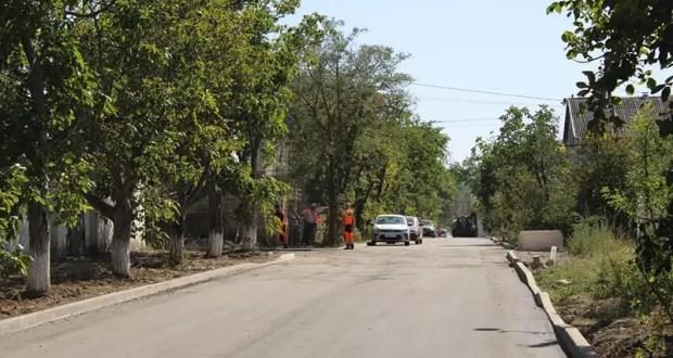 На двух улицах Симферополя ремонтные дорожные работы близятся к финалу. Но только на двух