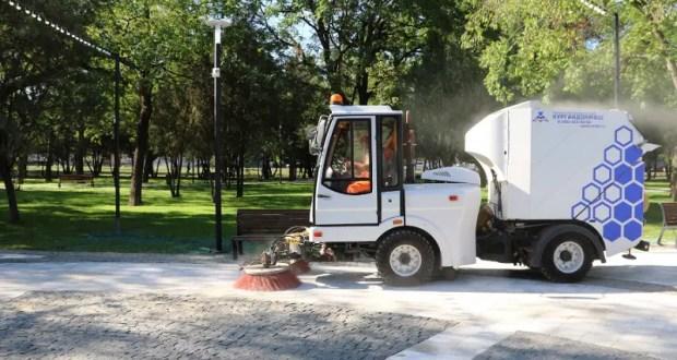 В Симферополе уборка городских территорий – без выходных