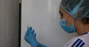 Севастопольским медикам делают прививки от COVID-19