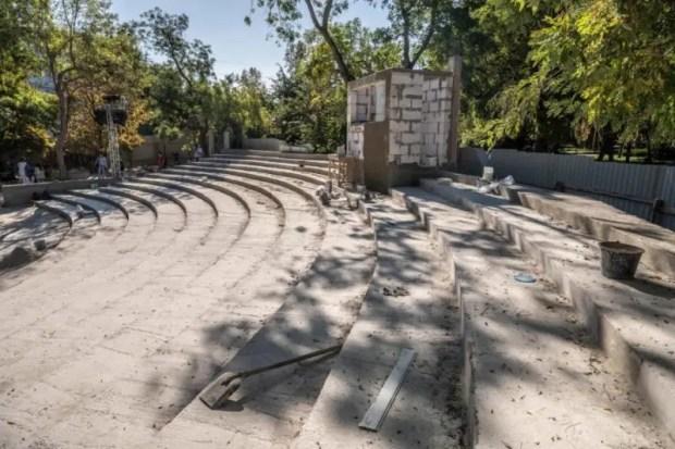 """В ремонтных работах на летней эстраде """"Ракушка"""" в Севастополе усмотрели нарушение законодательства"""