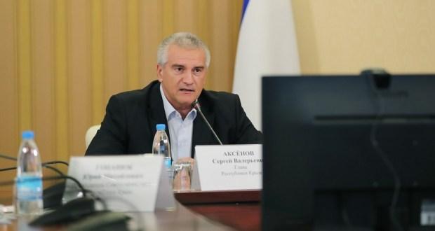 Сергей Аксёнов пригрозил выговорами всем, кто срывает графики производственных работ в Крыму
