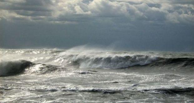 В Ялте продолжаются поисковые работы на воде