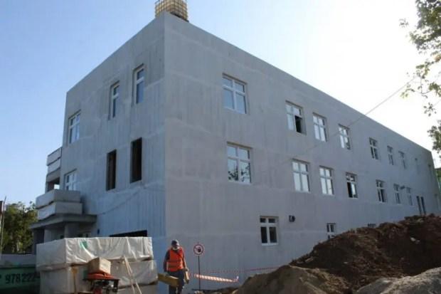 В Севастополе строят новую ветеринарную лечебницу