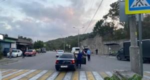 В Ялте сотрудники полиции проводят проверку по факту ДТП с участием малолетнего пешехода