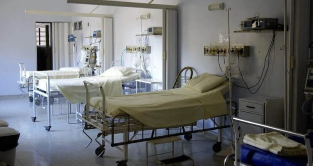 Медики срочно увеличивают коечный фонд в «ковидных» госпиталях Крыма