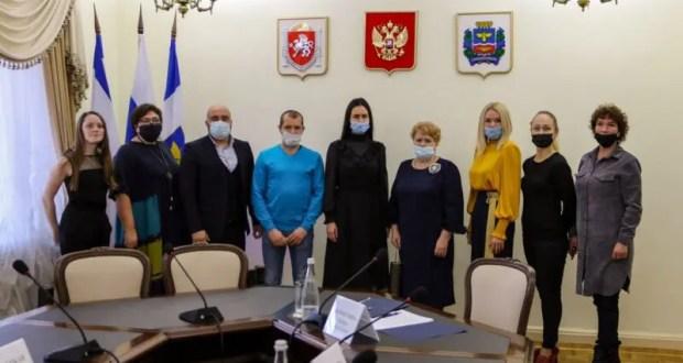 В Симферополь прибыли петербуржцы. Развивать отношения и обмениваться опытом