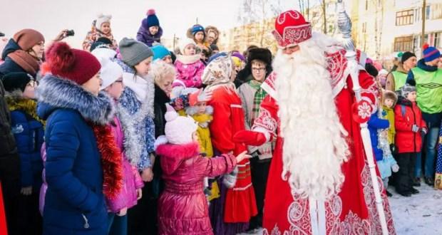Дед Мороз сократит новогодний тур по России из-за коронавируса. В Крым, скорее всего, не приедет