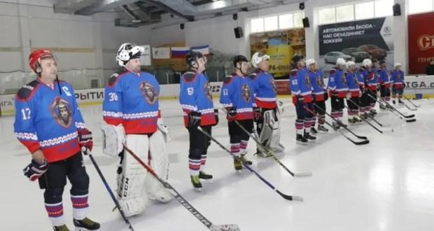 В Ночной хоккейной лиге в Крыму стартовал сезон-2020/21