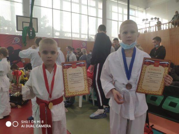 Ялтинцы - в лидерах турнира по рукопашному бою им. Андрея Федюкина