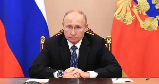Владимир Путин поручил обеспечить бесплатными лекарствами больных коронавирусом