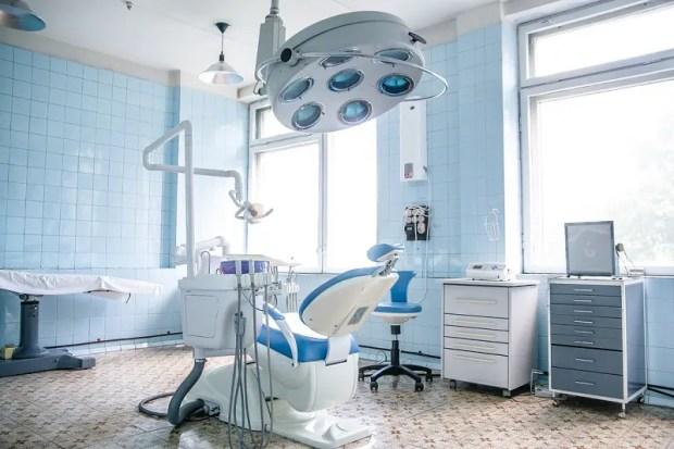 Стоматологическую службу Крыма оценили специалисты Минздрава РФ