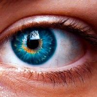 К чему чешется левый глаз: значение приметы для мужчин и женщин