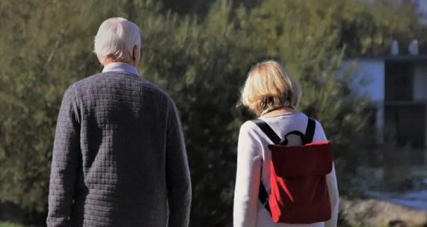 ПФР в Севастополе: уход за 80-летним можно оформить подростку с 14 лет